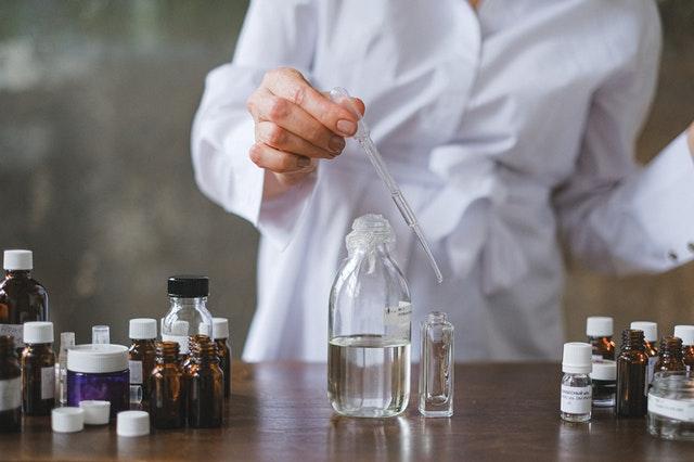 Diplomado: Formación Integral para el Laboratorio de Ensayos Químicos